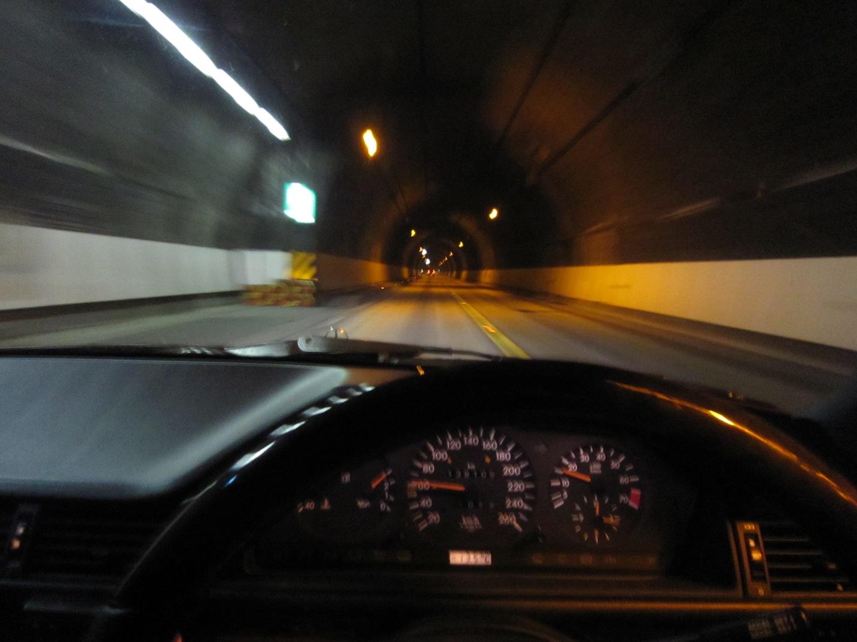 高松坂出有料道路の五色台トンネル_d0081605_371018.jpg