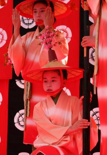 京都 随心院のはねず踊り_c0196076_20565435.jpg