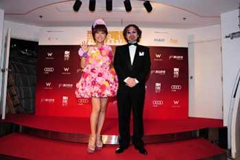 香港国際映画祭ワールドプレミアにはるな愛登壇_e0025035_1465338.jpg
