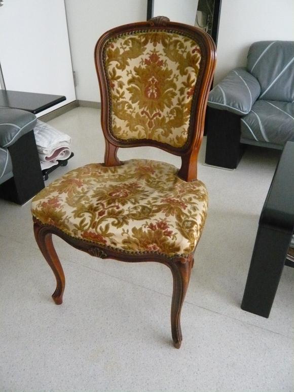 いろんな人の素敵な場面に寄り添う椅子_d0224984_2225190.jpg