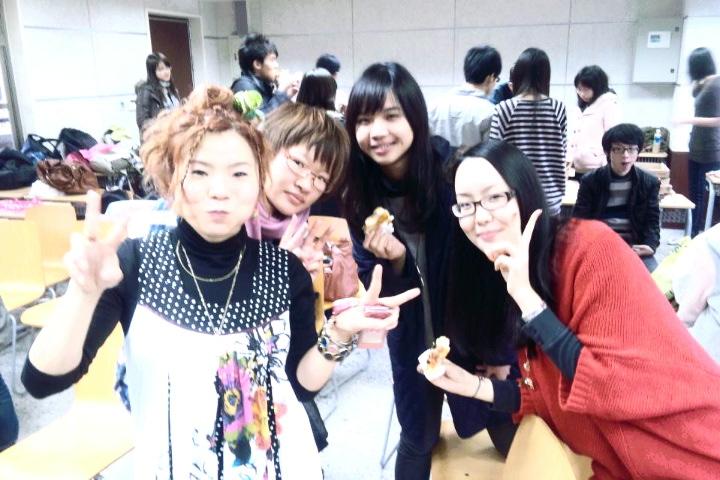3/25 教室ライブ@台湾大学  その2 _f0115311_1725420.jpg