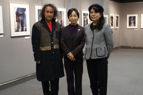 大石芳野写真展「それでも笑みを」~1971年から2010年に出会ったさまざまな笑み@コニカミノルタプラザ_f0006713_5524246.jpg