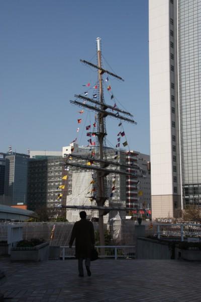 陸に上がった帆船_f0055131_9294519.jpg