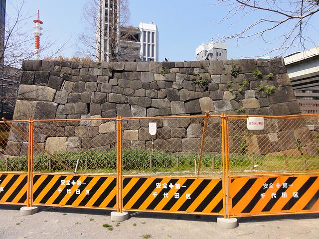常盤橋公園 震災の爪痕・・・ (3/30)_b0006870_2245355.jpg