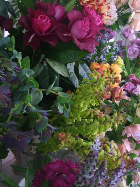 オークリーフ(白木蓮と黒いカラーの花)_f0049672_14512247.jpg