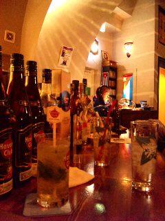キューバ・on the street corner_a0103940_10434542.jpg