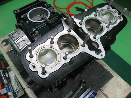 ゼファー750 エンジン!!!_f0231916_21121121.jpg