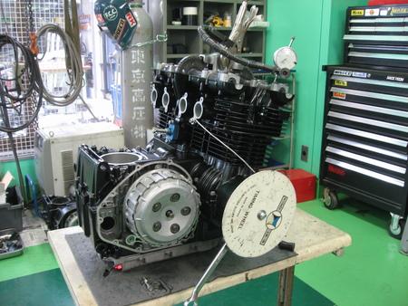 ゼファー750 エンジン!!!_f0231916_21241528.jpg