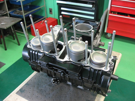 ゼファー750 エンジン!!!_f0231916_2181275.jpg
