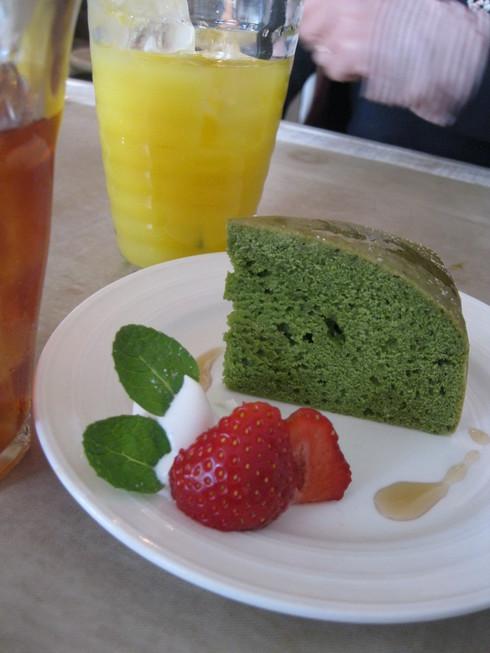 「Hug Cafe」へ~~_a0125419_1746519.jpg