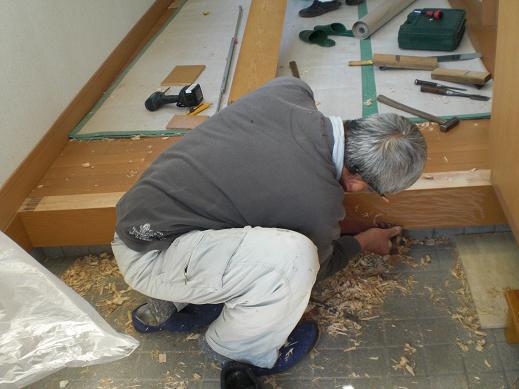 快適な床暖房 ~ 玄関の上がり框(かまち)_d0165368_8175583.jpg