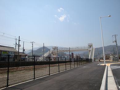 安浦駅自由通路完成_e0175370_21522633.jpg
