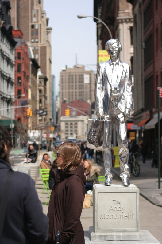 Statue Of Andy Warhol_d0133581_19272962.jpg
