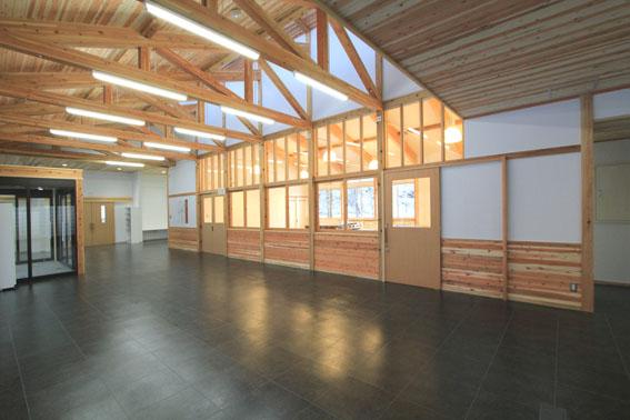 檜山地域拠点施設:完成_e0054299_8552194.jpg