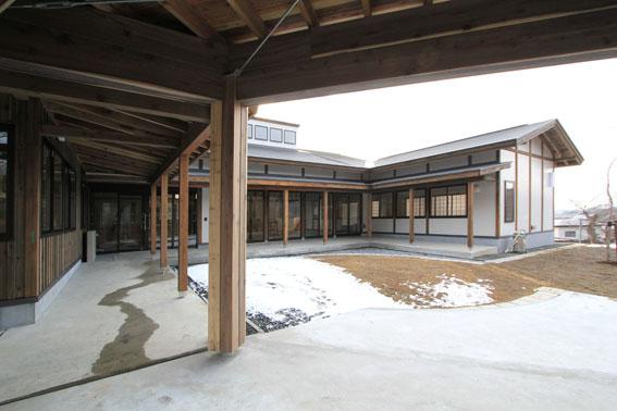 檜山地域拠点施設:完成_e0054299_8563210.jpg