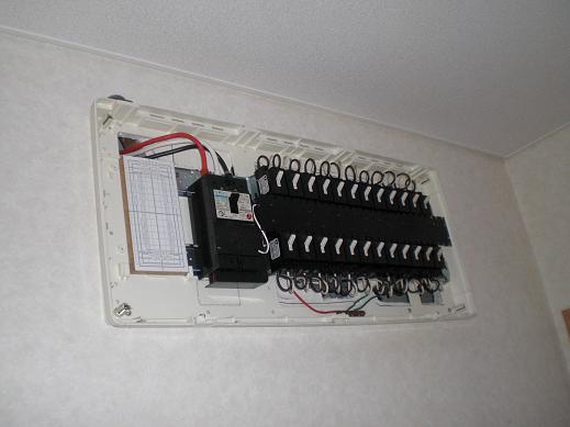 快適な床暖房 ~ 1階の電気工事―その①_d0165368_8494676.jpg