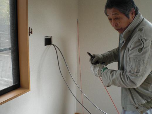 快適な床暖房 ~ 1階の電気工事―その②_d0165368_594738.jpg