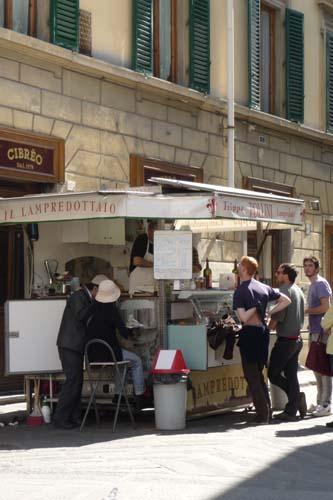 お昼はフィレンツェ名物モツサンド_f0106597_2581111.jpg
