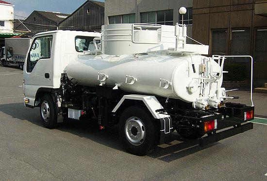 「狂人に原子炉」:放射能汚染水はバキュームカーで汲み取れ!_e0171614_1226773.jpg