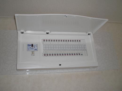 快適な床暖房 ~ 1階の電気工事―その③_d0165368_46587.jpg