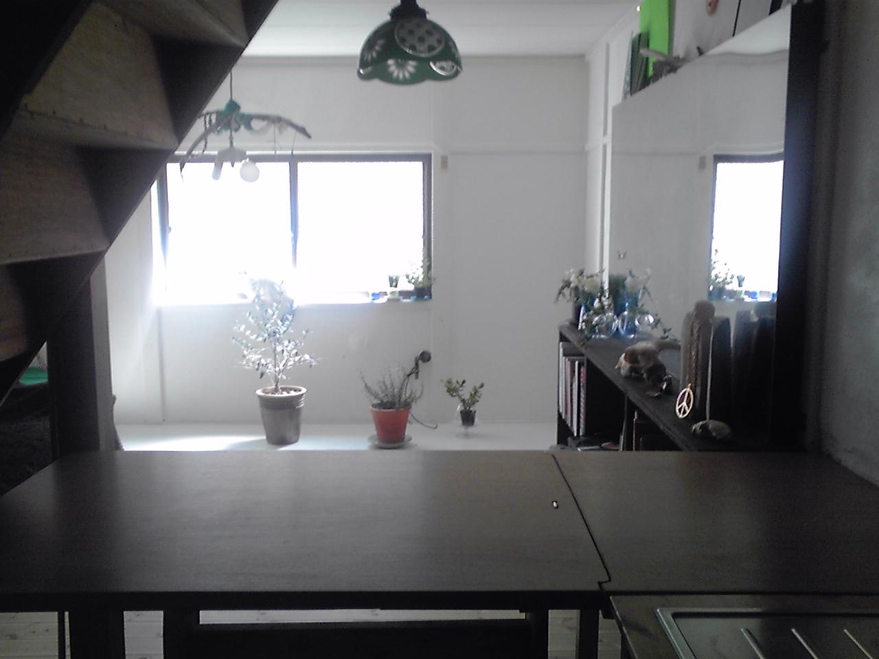 ダイニングテーブルの秘密_e0155231_125977.jpg