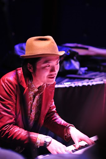 2011.02.13(sun)BOGOS!! REPORT2 photo by くびおとこ 【Immigrant\'s Bossa Band+CARNIVAL】編_b0186662_18245655.jpg
