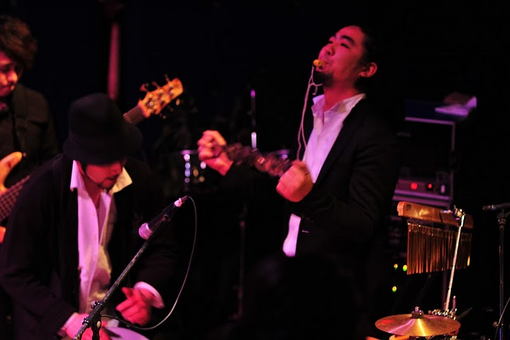 2011.02.13(sun)BOGOS!! REPORT2 photo by くびおとこ 【Immigrant\'s Bossa Band+CARNIVAL】編_b0186662_18251394.jpg