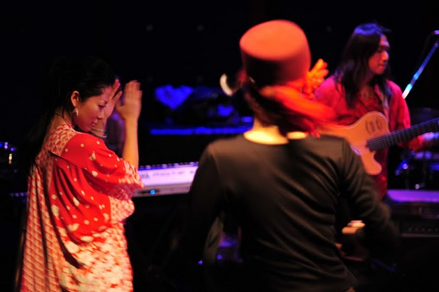 2011.02.13(sun)BOGOS!! REPORT2 photo by くびおとこ 【Immigrant\'s Bossa Band+CARNIVAL】編_b0186662_18253572.jpg