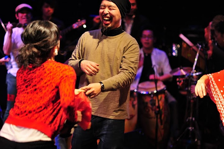 2011.02.13(sun)BOGOS!! REPORT2 photo by くびおとこ 【Immigrant\'s Bossa Band+CARNIVAL】編_b0186662_18281789.jpg