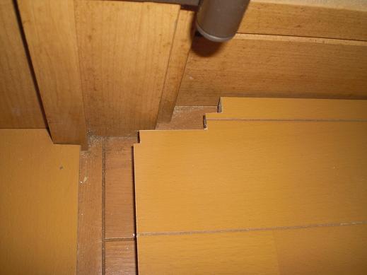 快適な床暖房 ~ 細かな作業が仕上がりをきれいにします。_d0165368_13414817.jpg