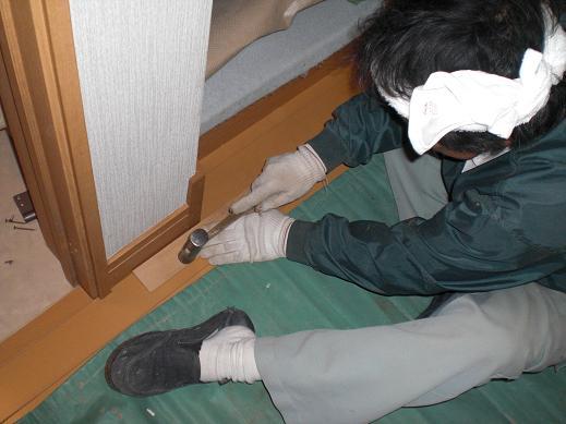 快適な床暖房 ~ 細かな作業が仕上がりをきれいにします。_d0165368_13421845.jpg