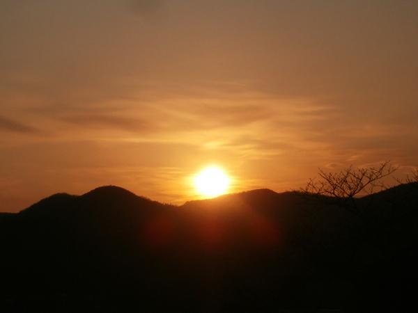 夕陽のい・ろ・い・ろ_a0174458_842820.jpg