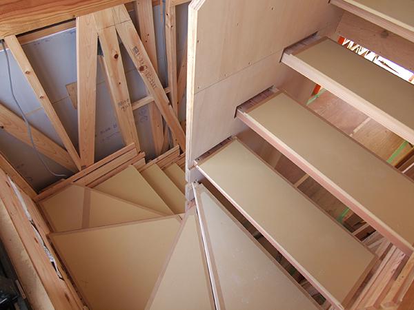 110407 あがりたくなる階段_b0129659_91427.jpg