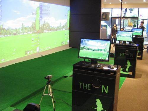 インドアゴルフスクールに3台納入(大阪市)_c0157169_22554776.jpg