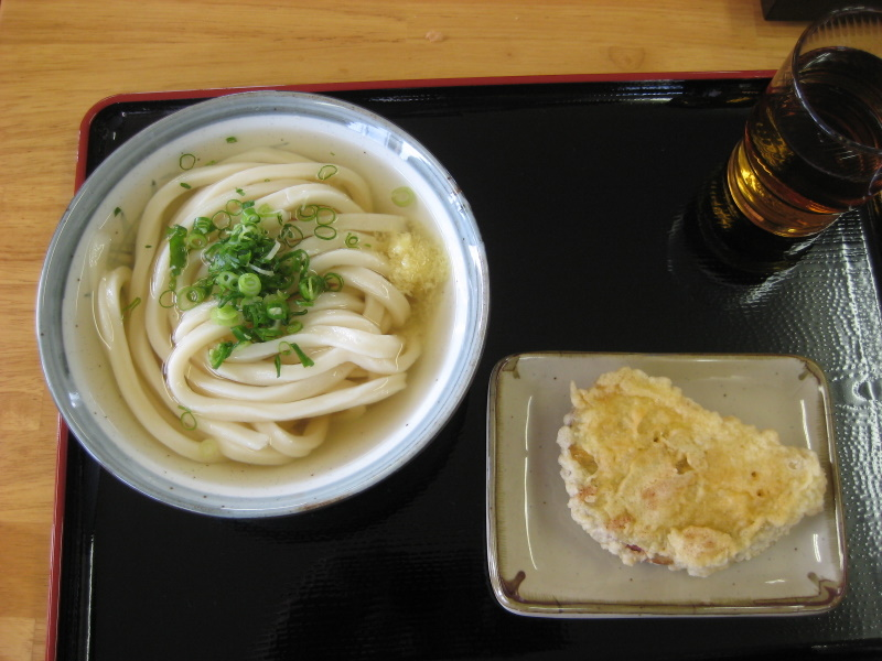 香川で讃岐うどんめぐり(1)西讃で新規開拓_c0013687_23314039.jpg