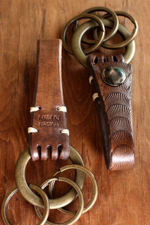 leather key holder_c0118809_2059823.jpg