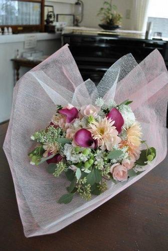 花束いろいろ~♪_e0159050_2345368.jpg