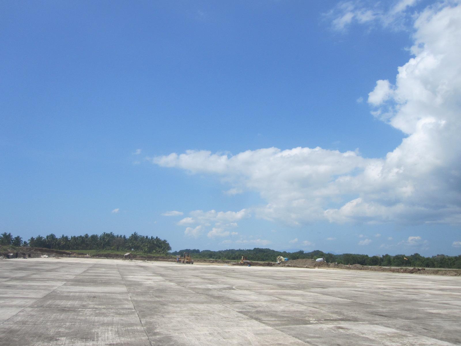 マアシン空港_f0210164_1644724.jpg