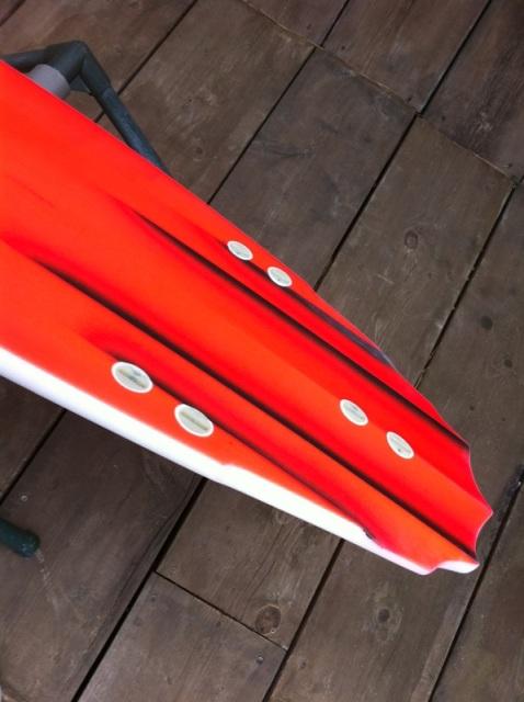 RED Bottom_b0179468_166193.jpg