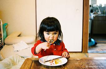 川島小鳥写真展「未来ちゃん」_c0016177_2212357.jpg