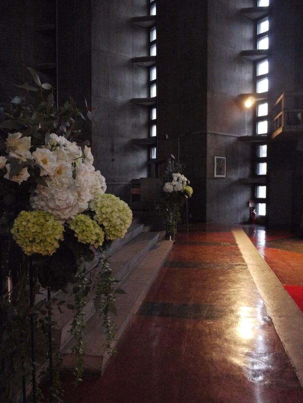 ウェディングドレスとアメイジング・グレイス カトリック目黒教会様へ_a0042928_19101790.jpg