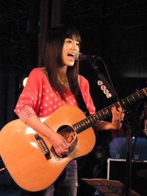 miwa、丸の内でラジオ・チャリティーミュージックソンSPフリーライヴに出演_e0197970_2313761.jpg