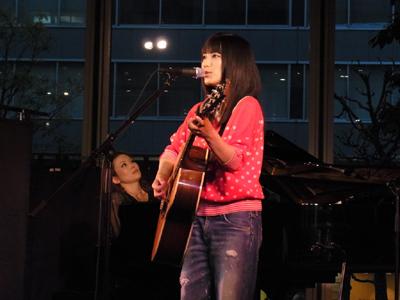 miwa、丸の内でラジオ・チャリティーミュージックソンSPフリーライヴに出演_e0197970_232693.jpg