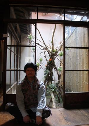 恒例アートイベント「春山登山」、蔵織での作品_d0178448_9561474.jpg