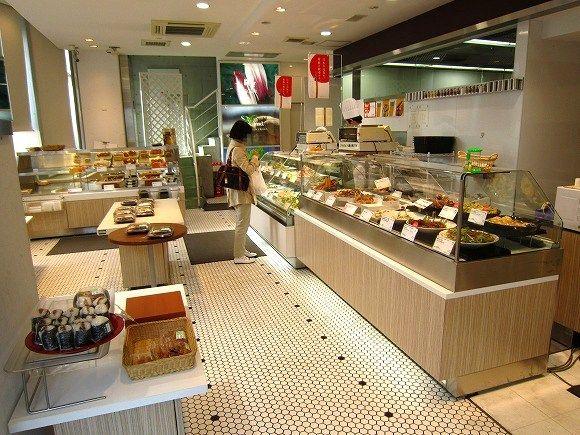 アール・エフ・ワン 岡本店 / 工夫を凝らしたお惣菜がいっぱい_e0209787_17335185.jpg
