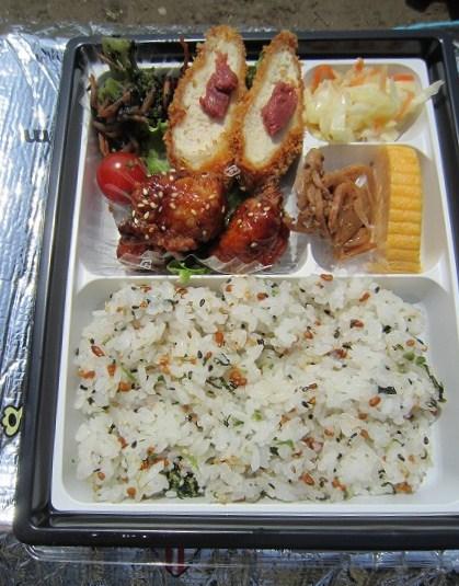 アール・エフ・ワン 岡本店 / 工夫を凝らしたお惣菜がいっぱい_e0209787_1741137.jpg