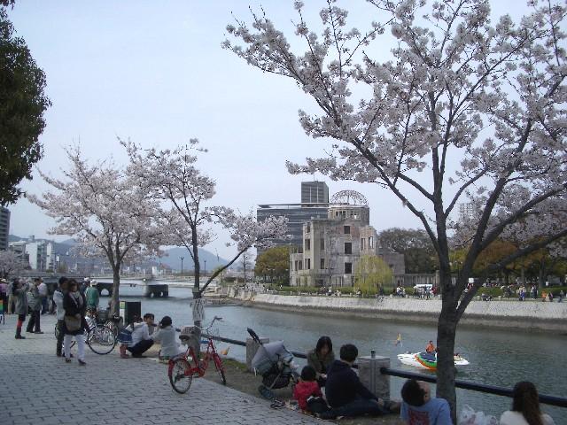 お花見散歩_a0047004_021891.jpg
