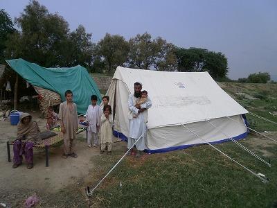 【JEN通信】パキスタンの大洪水_e0105047_17161472.jpg