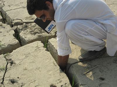 【JEN通信】パキスタンの大洪水_e0105047_174058.jpg