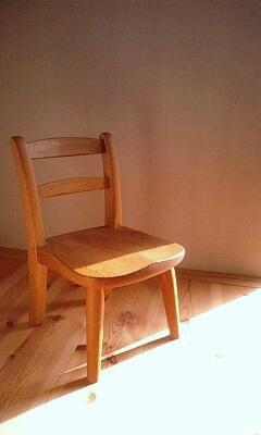 三谷龍二さんの子供椅子_a0187214_16223957.jpg